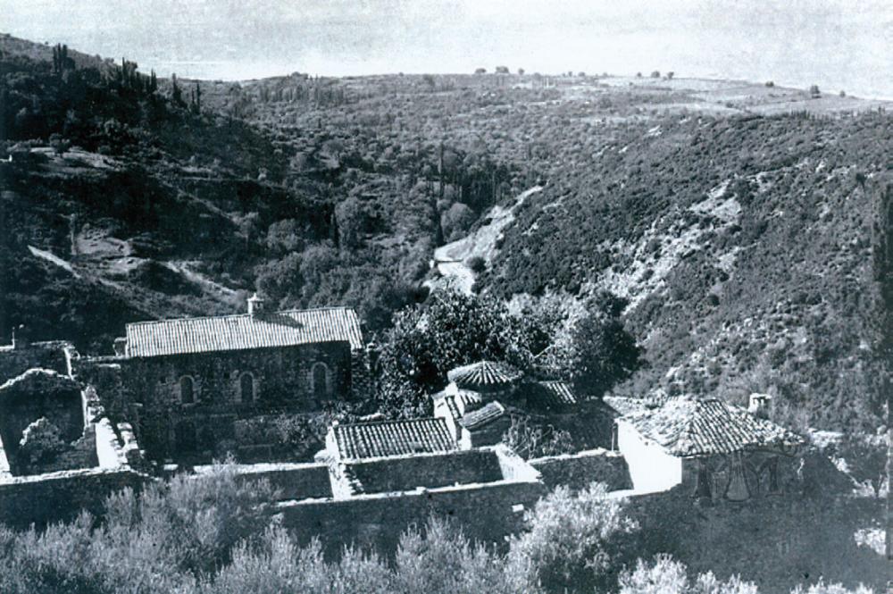 Η Μονή μετά την πυρπόλησή της από τους Γερμανούς