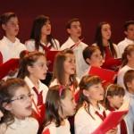 Η παιδική χορωδία των Ιερών Ναών Αγίου Δημητρίου και Αγίου Νικολάου Καινουργίου, υπό την διεύθυνση του κ. Κωνσταντίνου Καμζέλα