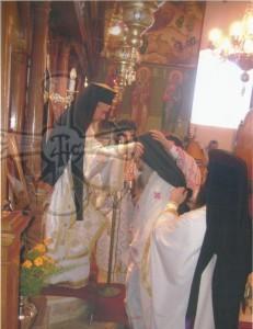 Χειροθεσία Αρχιμανδρίτου στον Μακαριστό πατέρα Απόστολο